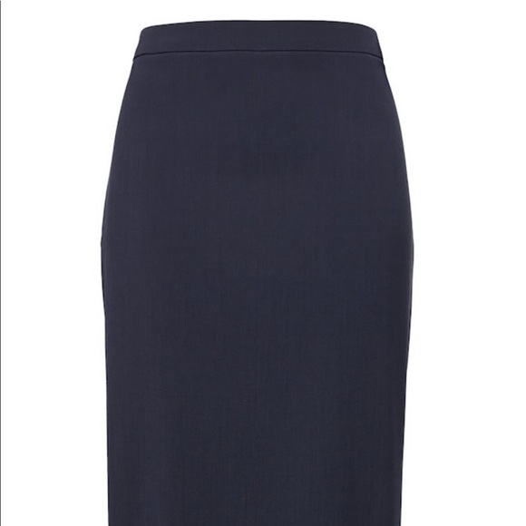 Banana Republic Dresses & Skirts - Banana republic navy suit pencil skirt - worn once